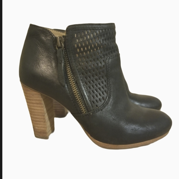 Geox Leather Ankle Boots size 35